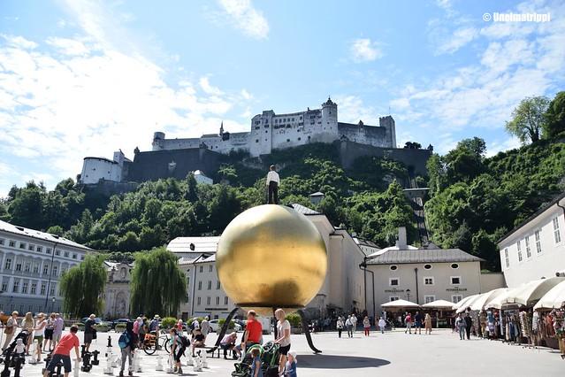 Tori Hohensalzburgin linnoitus taustallaan