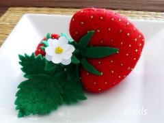 Igielnik truskawka - Strawberry pincushion | by :.ALEXLS.: