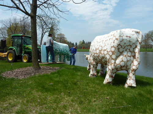 Samuel Buri (Swiss, 1935) Des Vaches: Mo, Ni, Que, 1971 - 1976 Polyester & impregnated fiberglass with paint