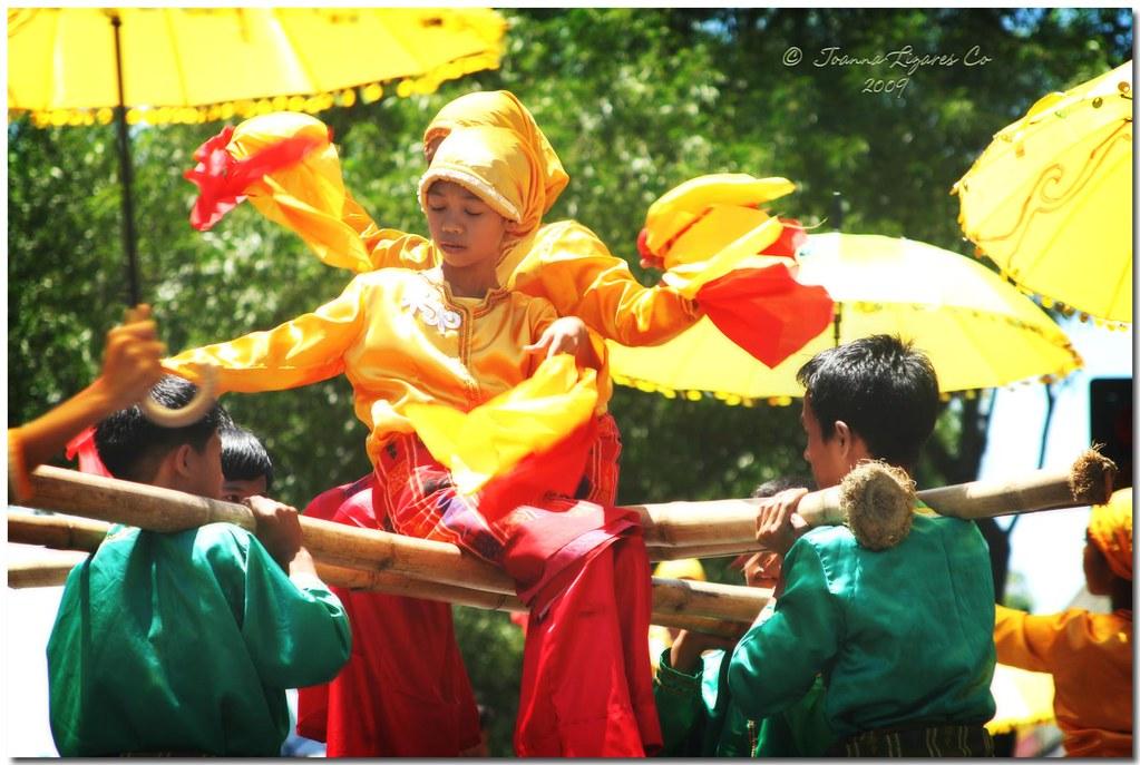 Davao Kadayawan 2009 - Maranao Ladies | The Maranao, which m