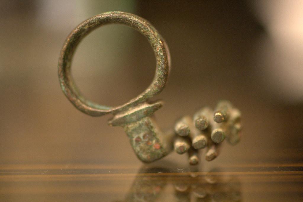 roman key (also a ring)