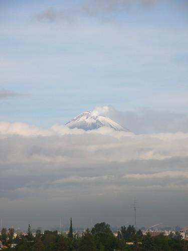 P8200432 Volcan Popocatepetl Vista Calzada Zavaleta, Puebla,.Puebla. Mexico por LAE Manuel Vela