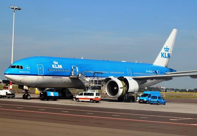 KLM Boeing 777 (PH-BQG) Schiphol Ramp