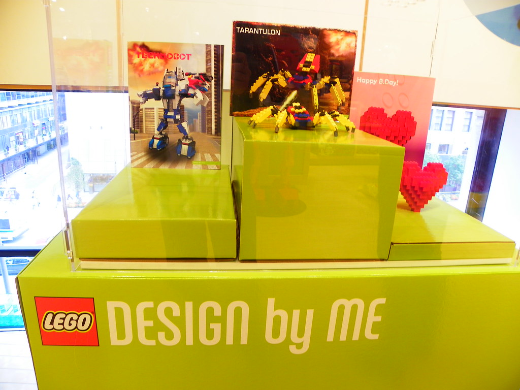LEGO Chicago Store / DESIGN BY ME display | Taken by www mar