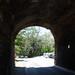 Portão de pedra na Ladeira do Leme