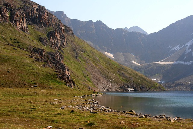 First view of the shore of Rabbit Lake in the Chugach State Park