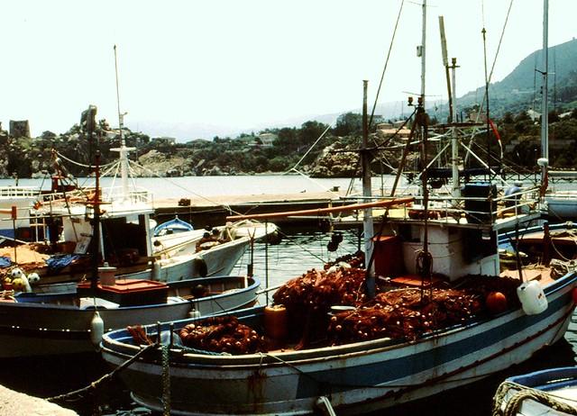 Sizilien - Fischerboote bei Cefalu