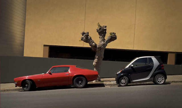 Mustang and SmartCar, at California and Webster; Lower Pacific Heights, San Francisco (2009)