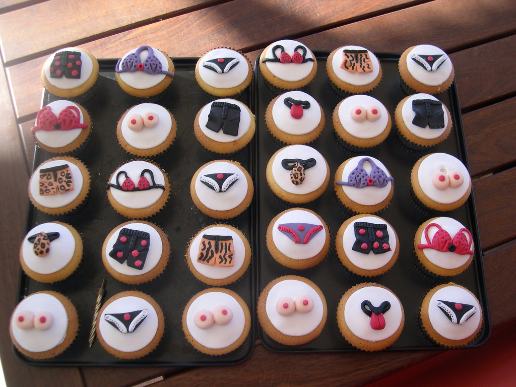Marvelous Mossys Masterpiece 21St Birthday Cupcakes With Undies Flickr Funny Birthday Cards Online Alyptdamsfinfo