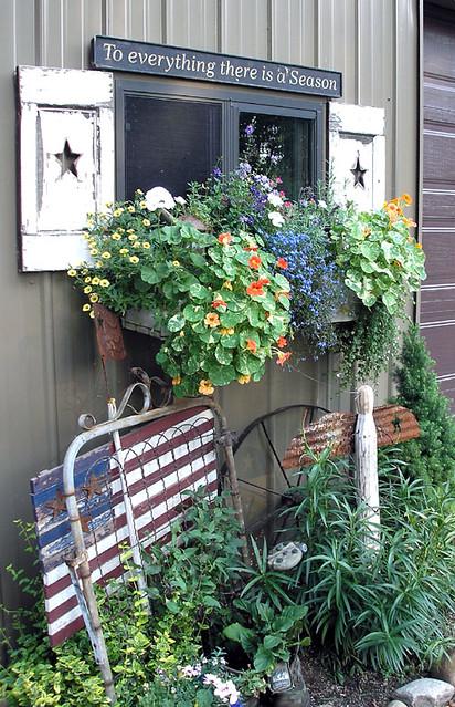 Walk In Garden Box: At Garden Walk, June 2005