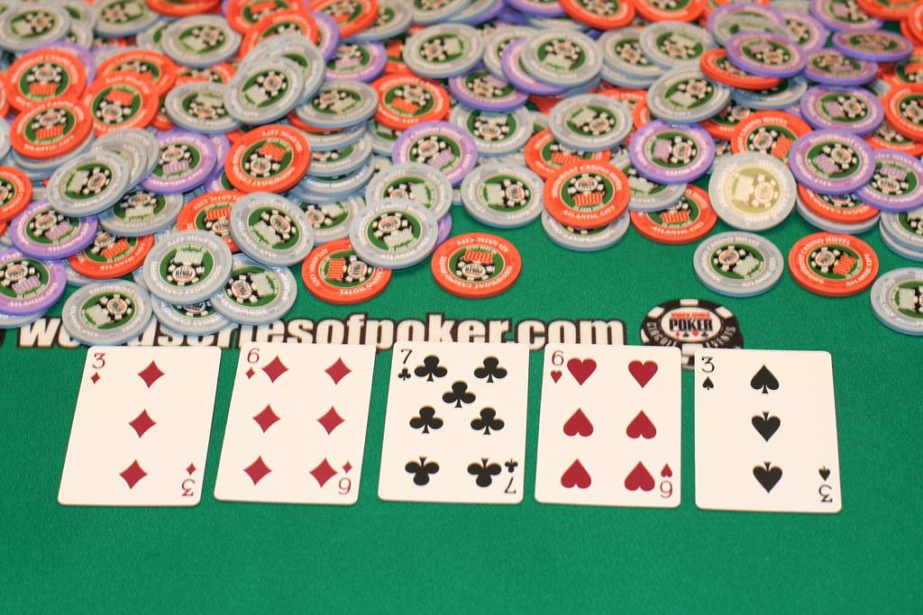 Bagaimana Itu IDN Poker Online & Ceme Online Uang Asli Dan Juga Bagaimana Teknik Kerjanya? 71994936_ddd38ebfd4_b