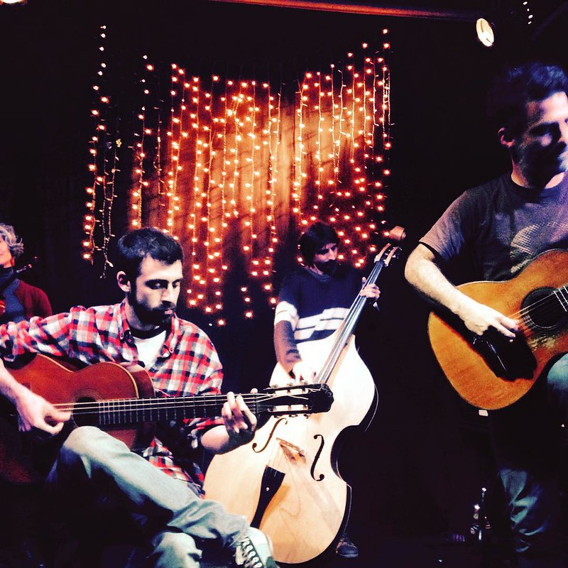 Bitácora de viaje Gira de Las Alturas 2015 / Día 30 / 11 de agosto / Hora 11:32  / Buenos Aires - Argentinos / Sentirnos a salvo con las canciones de Pablo Gronjot!