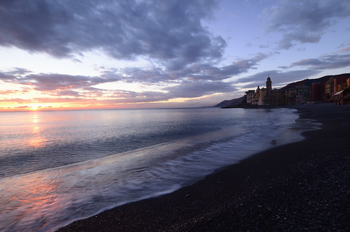 liguria sunrise sunrises sunset sunsets sun clouds camogli riviera levante tigullio seascape seascapes sea panorama beach sand pink paesaggio buildings winter color colors skyscapes