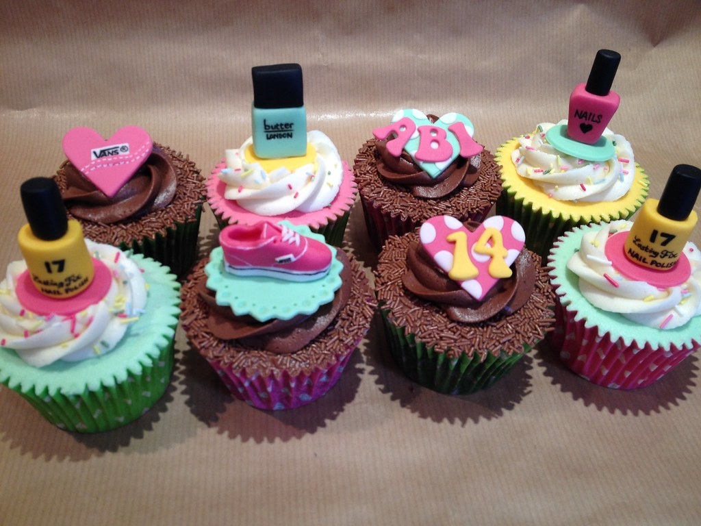 Girls 14th Birthday Cupcakes