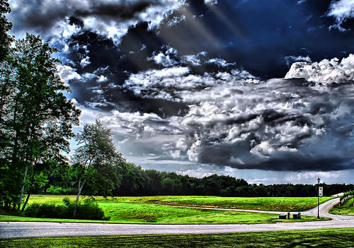 sky clouds landscape lexington hdr lexingtonnc sonyalphadslra200 davisoncounty legintonnorthcarolina childressvineyard jeanetterunyon
