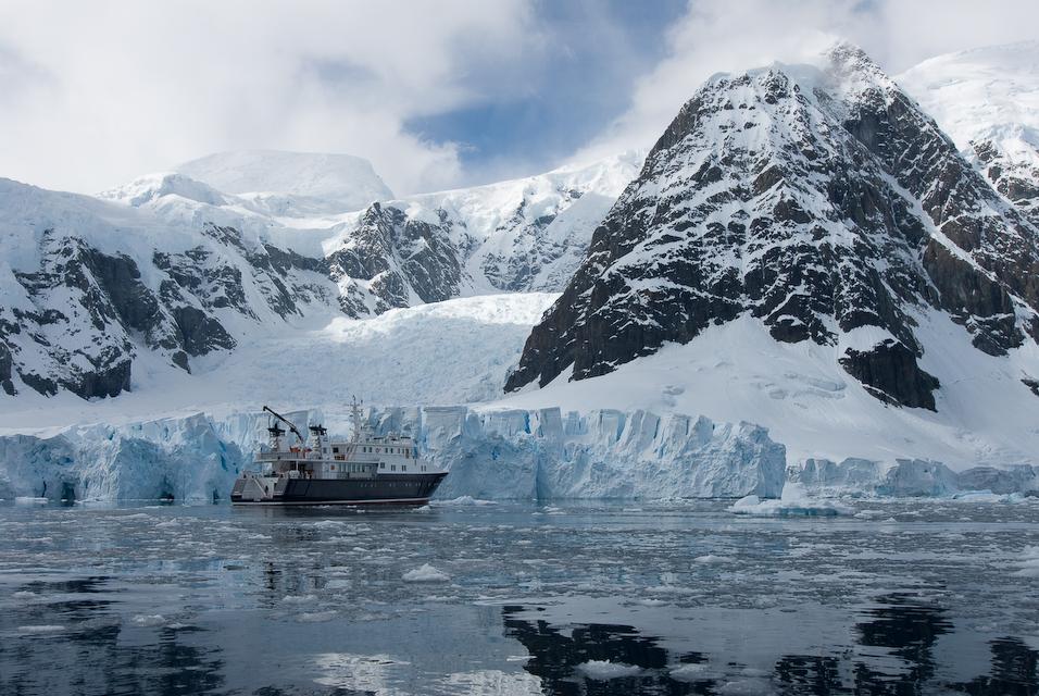 Glacier vs. Boat