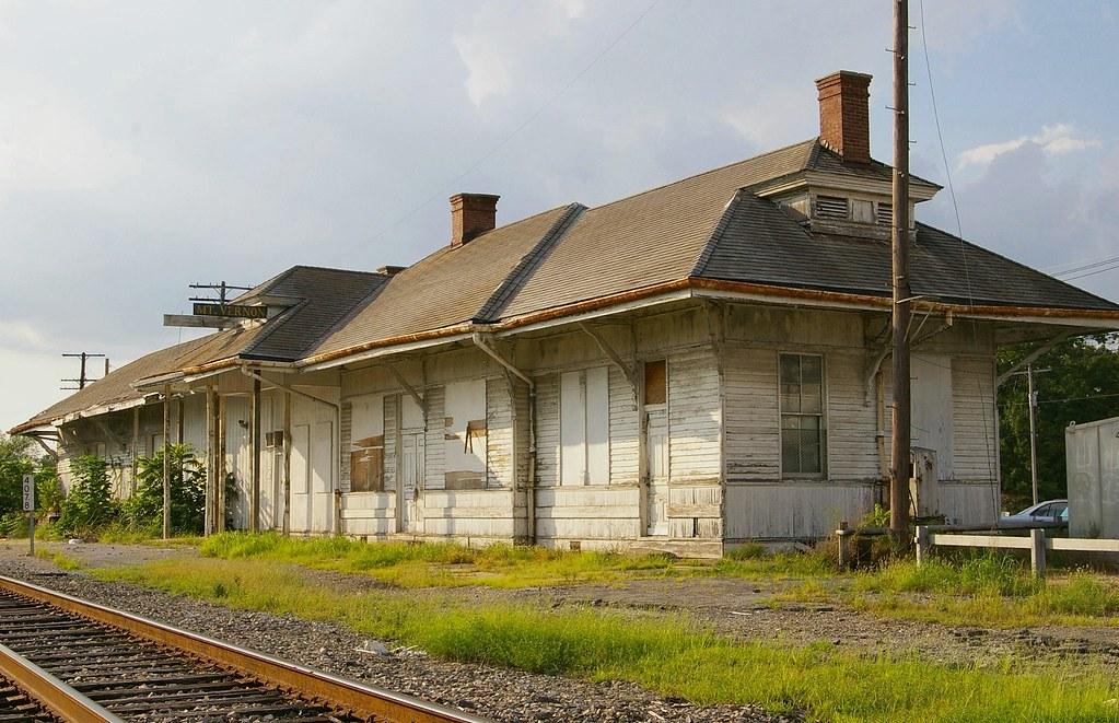 Mt. Vernon, IL train station