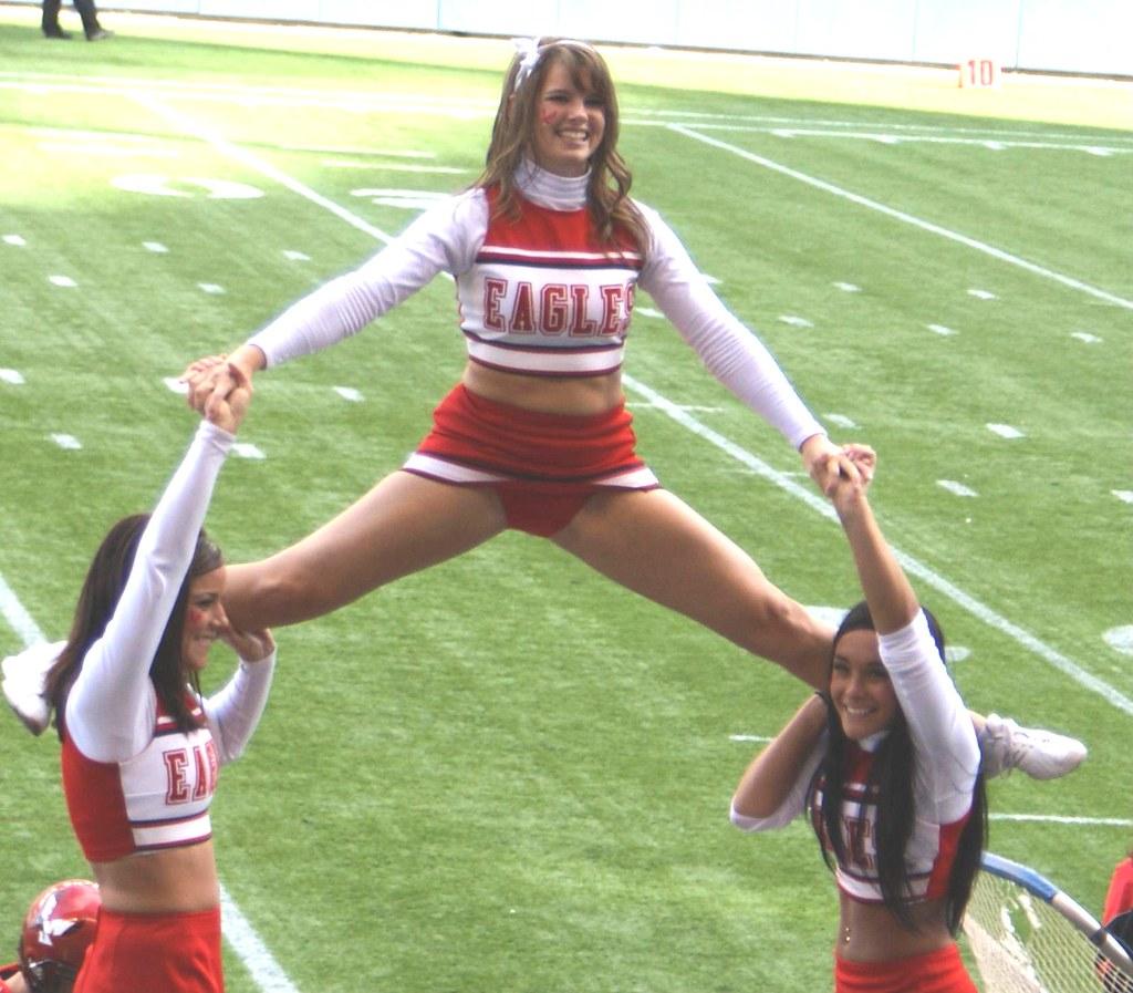 Teen cheerleader cameltoes — img 6