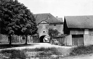 La rue du chanoine Clément à Orgelet