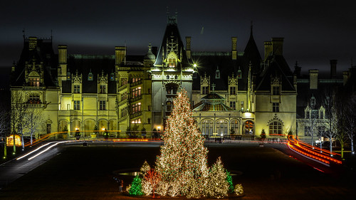 biltmore ashville nc north carolina christmas tree christmastree estate wine winery landscape night exposure merry history