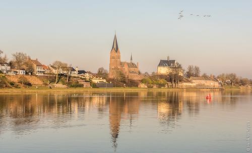 kessel nl nederland netherlands buiten outdoor winter beesel limburg river rivier maas reflectie reflections sunset zonsondergang