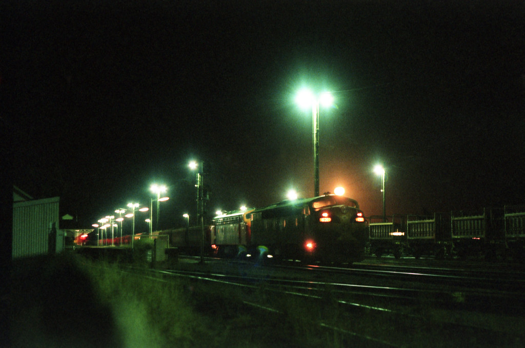1984 572 Maryborough Station at night by williewonker
