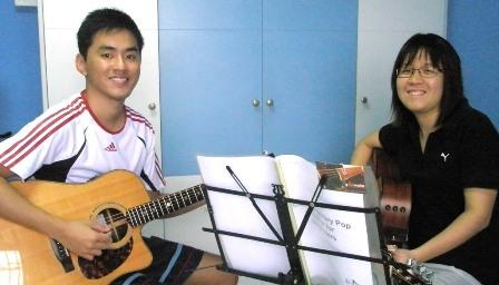 Beginner guitar lessons Singapore Karryn