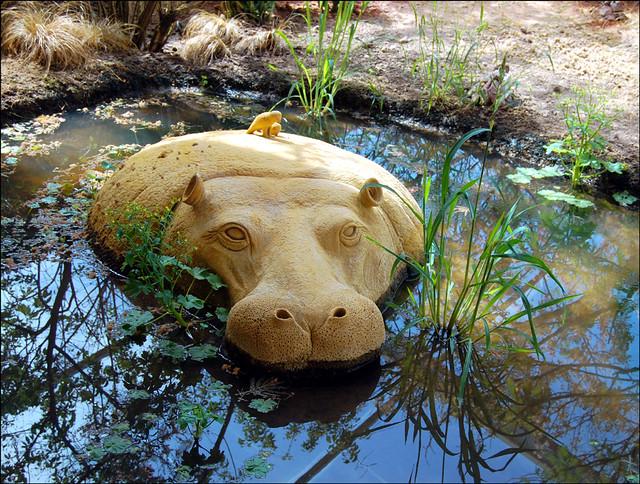 Sand Sculptures : Hippopotamus