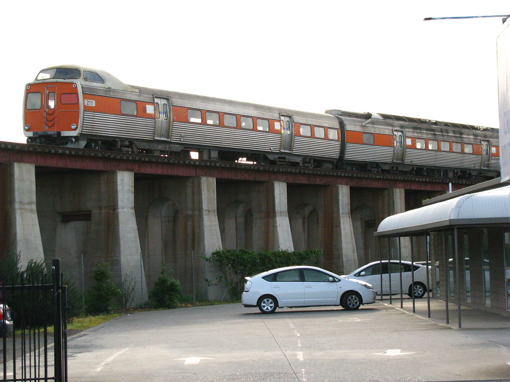 2000 Class Crossing Commercial Road Viaduct by baytram366