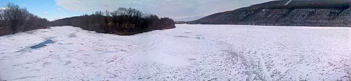 ice freezing susquehanna iceflow susquehannariver riverice susquehannariveratduncannonpa frazileice susquehannaice susquehannariverice freezeupicejam