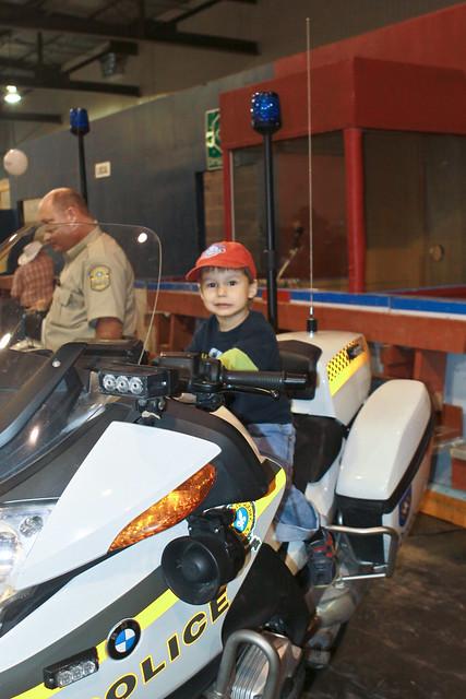 Le garçon à la moto