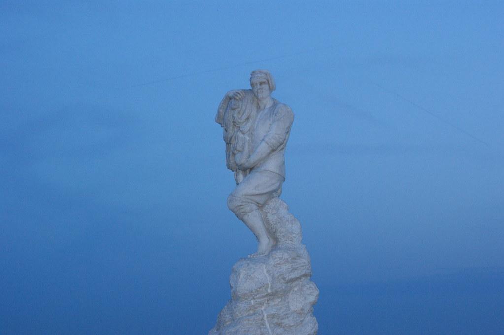 Statue en bout de phare