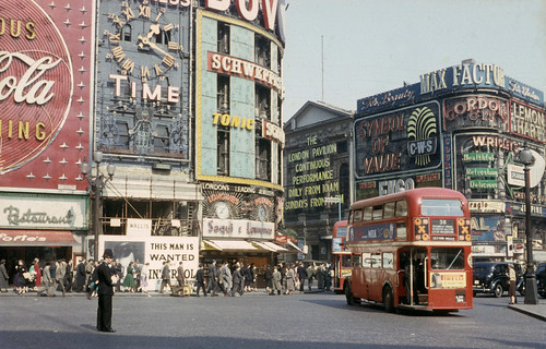 London - Piccadilly Circus 1950s | by Mark 2400
