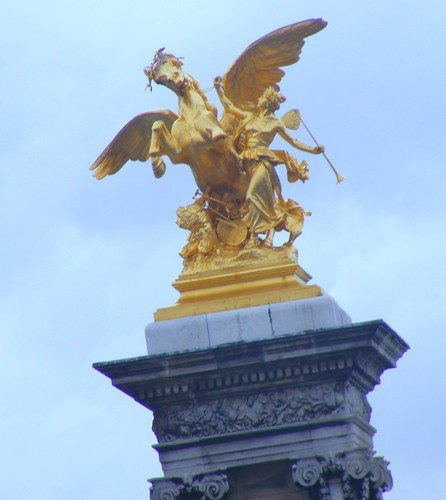 Alexandre III Bridge Golden Statue With Winged Horse And