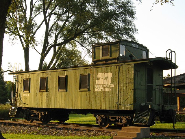 BN caboose at DuPage County, IL