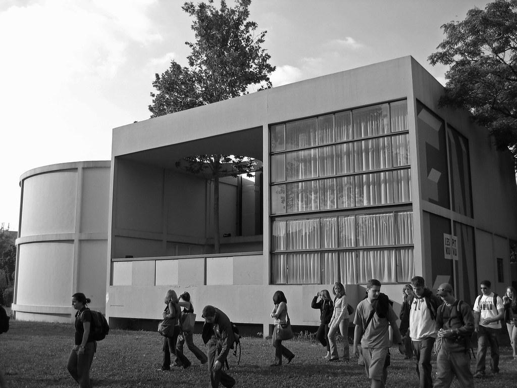 buying now best price big discount Le Corbusier - Pavillon de L'Esprit Nouveau (reconstructio ...