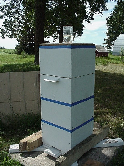 warre hive with feeder