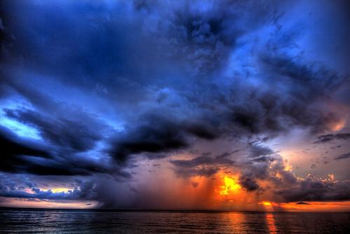 sunset vacation storm beach water clouds sand florida hdr highdynamicrange nokomis caseykey tonemapping venicebeachflorida ourview flickraward theislandhouse