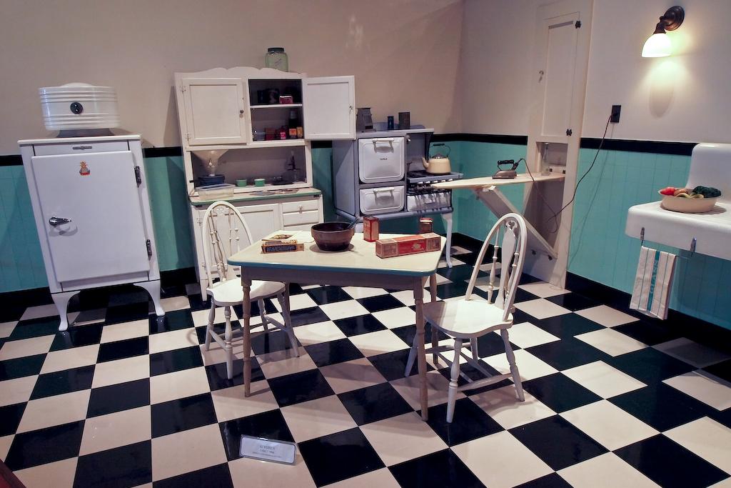 1940's era kitchen | Thursday, July 23, 2009 The Henry Ford … | Flickr