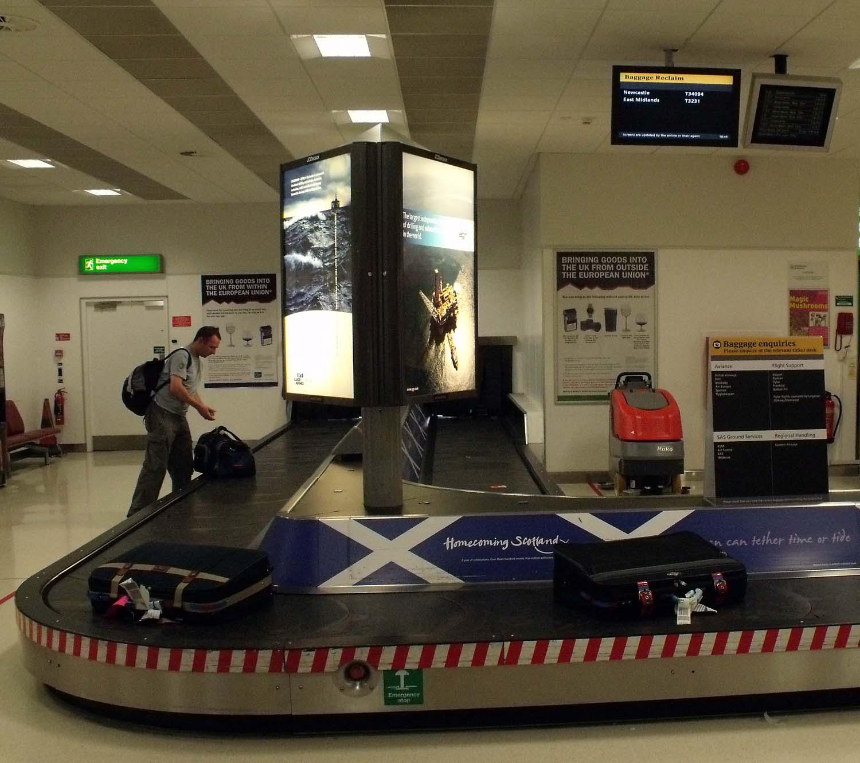 Baggage,carousel,Aberdeen,Airport,Aberdeen Airport,Dyce,lost,bag,bags,cases,BAA,scotland,air,terminal,indoors,terminals,365days,Schotland,l'Ecosse,Ecosse,Schottland,\u03a3\u03ba\u03c9\u03c4\u03af\u03b1,la,Scozia,\u30b9\u30b3\u30c3\u30c8\u30e9\u30f3\u30c9,\uc2a4\ucf54\ud2c0\ub780\ub4dc,\u0428\u043e\u0442\u043b\u0430\u043d\u0434\u0438\u044f,Escocia,port,return,belt,track,carosel,edinbrugh,hotpix!