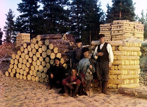 Sawyers on Svir, 1909 | by Sergey Prokudin-Gorsky