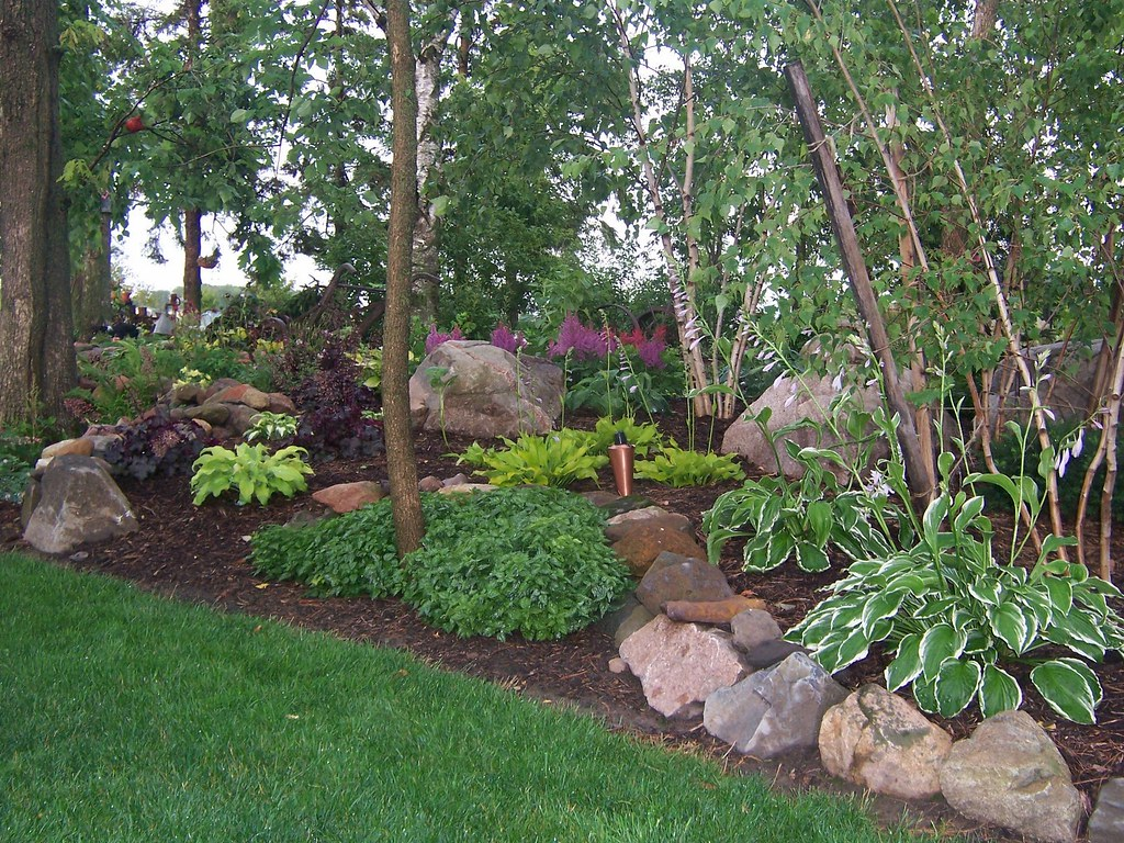 100 1689 Shade Garden Landscape Design Hosta Astble Heuc Flickr
