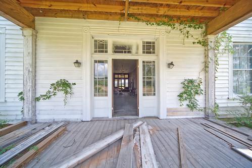 exterior oakcity martinco swamplawn joneseveretthouse johnschwaller