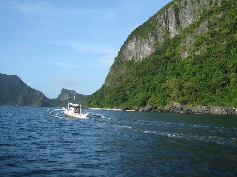 Boat tour of El Nido
