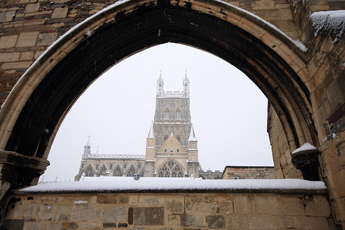Gloucester Cathedral snow 6.02.09