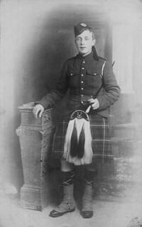 Piper James Cleland Richardson, V.C. (date of posthumous award 8 October 1916), 16th Battalion, C.E.F. / Le cornemuseux James Cleland Richardson, V.C. (décoration décernée à titre posthume le 8 octobre 1916), 16e Bataillon, CEC