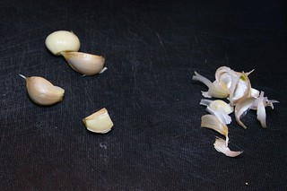 Step 1: Peel Garlic | by Morydd