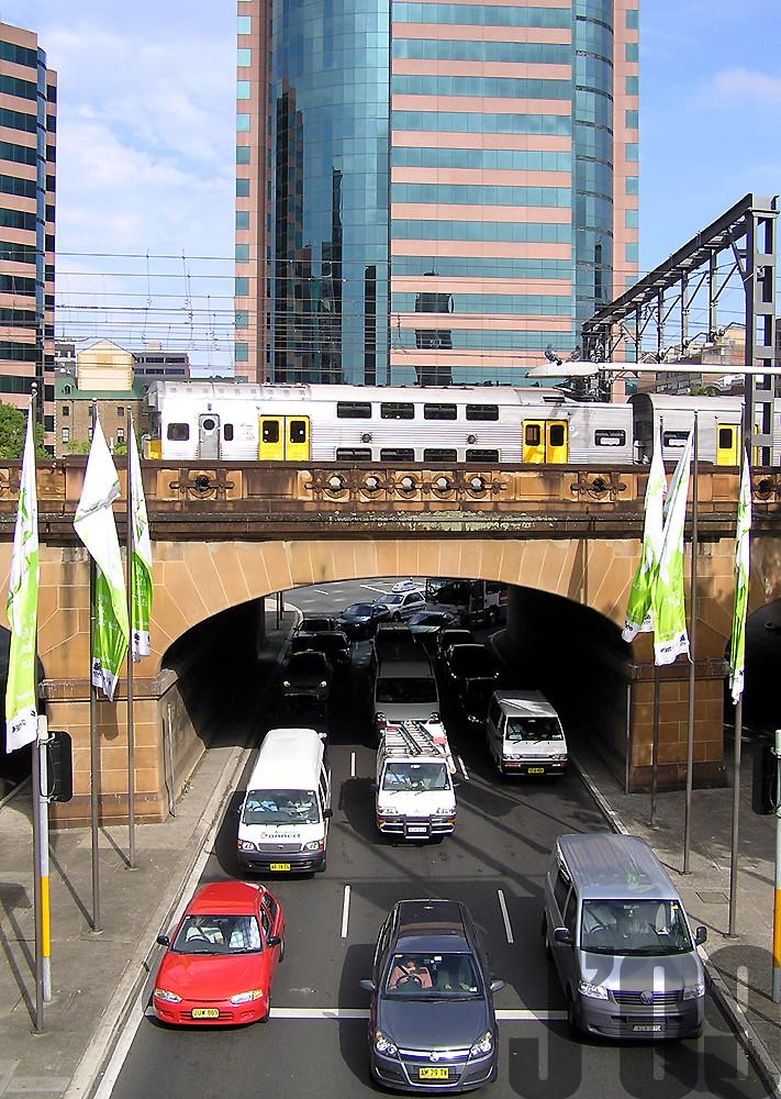 traffic vs Public Transport in Sydney, C3860 crosses bridge near Central ~22.10.09 by James 460
