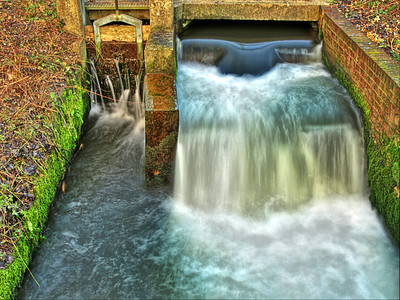 With some software, you can divide the Twitter River into drinkable streams (Image: River Itchen Weir by neilalderney123 on flickr CC)