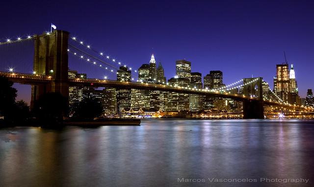 Brooklyn Bridge night at night